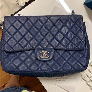 CHANEL Bags - Chanel Lambskin jumbo single flap bag